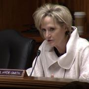 Senator Hyde-Smith Addresses Mississippi Flooding with EPA Administrator.
